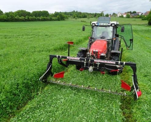 Aus Alt macht neu – dieses Doppelmesser-Mähwerk hat viele Vorteile: geringe Futterverschmutzung, Insektenschutz, weniger Lärm und Treibstoffersparnis