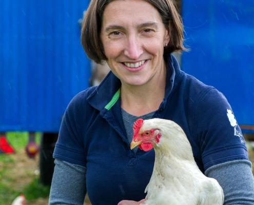 Für Anja Lindner ist ein geschlossener landwirtschaftlicher Betriebsorganismus wesentlich. (Bild linden-gut.eu)